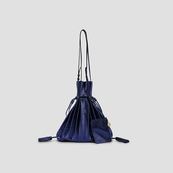 [재입고예정 3/29] Lucky Pleats Shopper Cracked Blue
